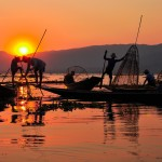 The incredible fishermen of the Inle Lake who paddle with one leg.