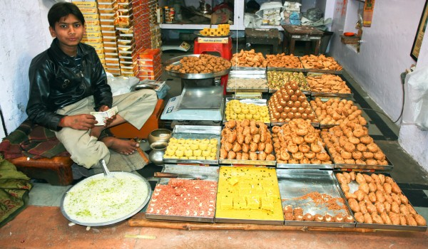 Mouthwatering street food in Delhi!