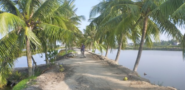 Cycling to beach paradise!