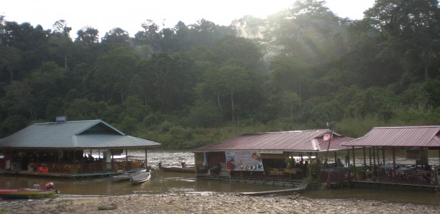 We had a great, post-hike dinner at this floating restaurant.