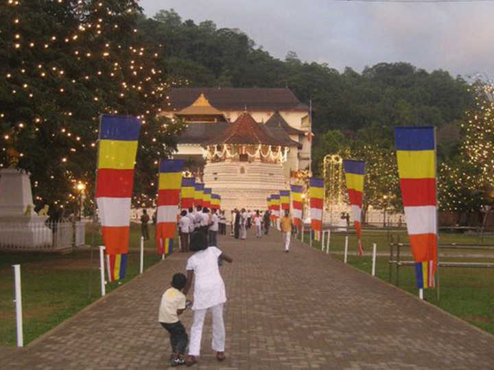 Kandy temple with lights