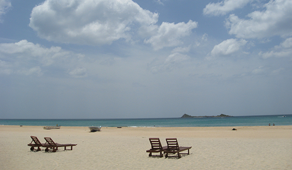 Nilaveli Beach with Pigeon Island view
