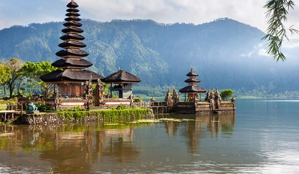 Pura Ulun Danau Water Temple Bali