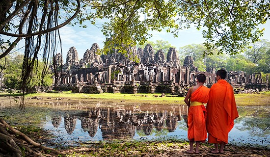 Monks Angkor Wat
