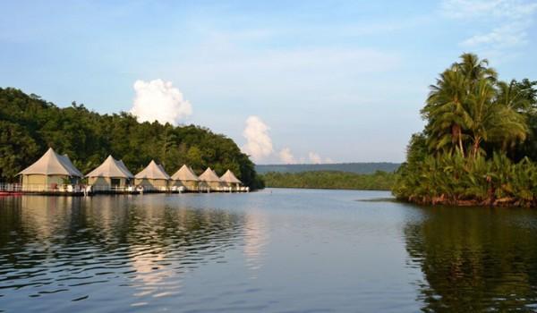 floating villa tents