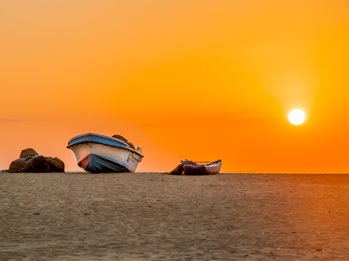 kalpitiya boat and sunset